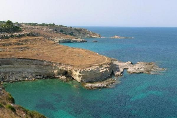 costa-orientale-sicilia-mare-casaF9E220B4-951F-D319-4BAF-91FBE9C57DD5.jpg